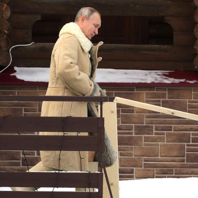 Rusya lideri Putin buz gibi suya girdi - Resim: 2