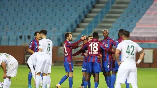 Trabzonspor'dan kritik 3 puan: Trabzonspor-Konyaspor: 3-1