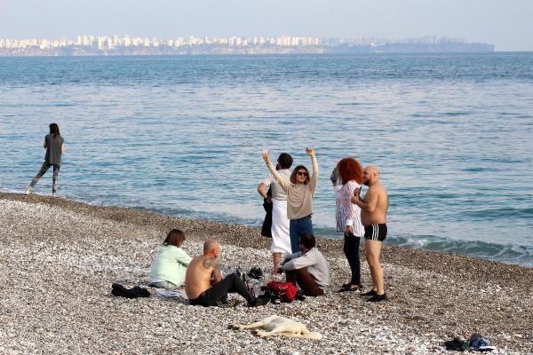 Sessizliğe bürünen Antalya, turistlere kaldı - Resim: 1