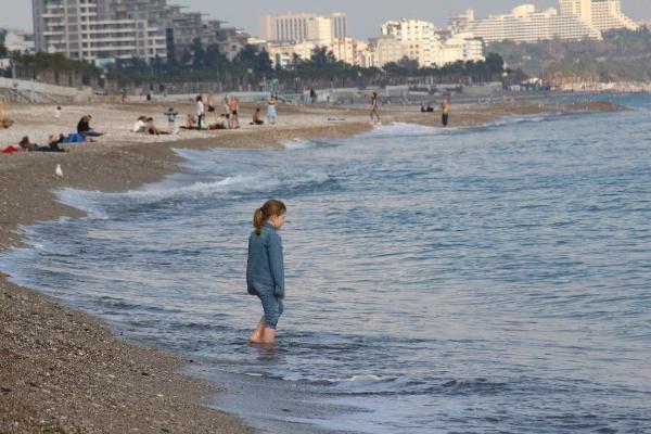 Sessizliğe bürünen Antalya, turistlere kaldı - Resim: 3