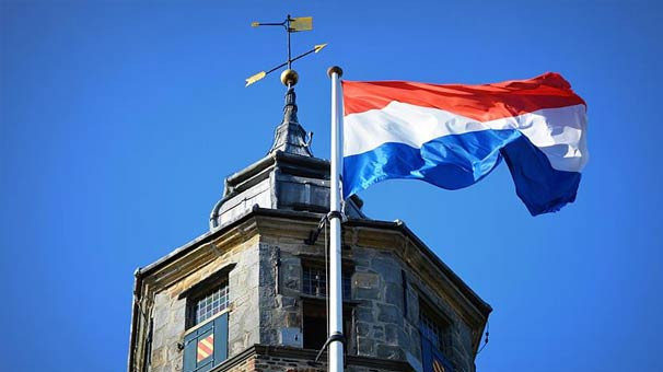Hollanda kapılarını kapatıyor!