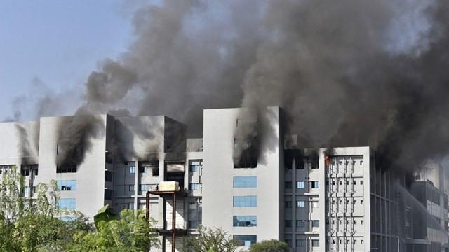 Dünyanın en büyük aşı üretim tesisinde yangın