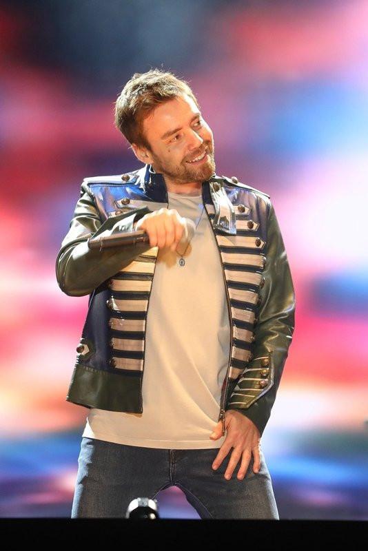 Murat Dalkılıç dans şovu ile sosyal medyayı salladı