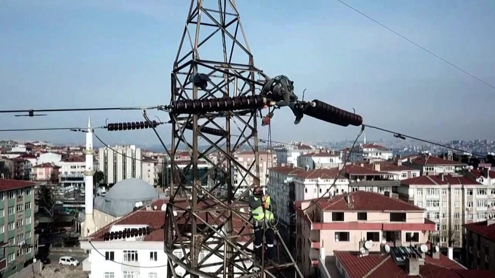 İstanbul'da bu görüntü tarih oluyor! Dev direkler kaldırılıyor - Resim: 1