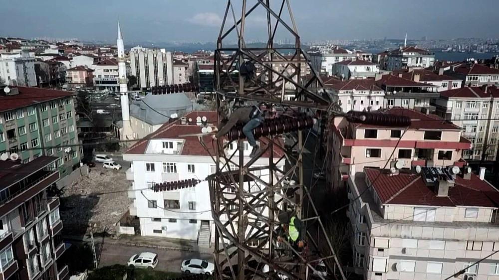 İstanbul'da bu görüntü tarih oluyor! Dev direkler kaldırılıyor - Resim: 3