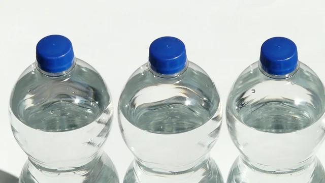 Plastik şişelerdeki büyük tehlike: Kısırlığa yol açıyor