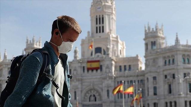 İspanya'da son 24 saatte 400 can kaybı
