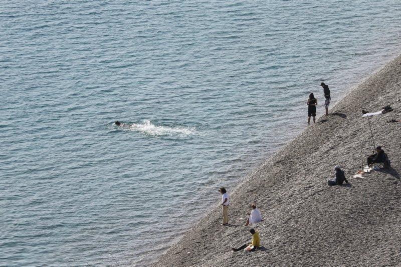 Antalya'da ocak ayında deniz keyfi - Resim: 2