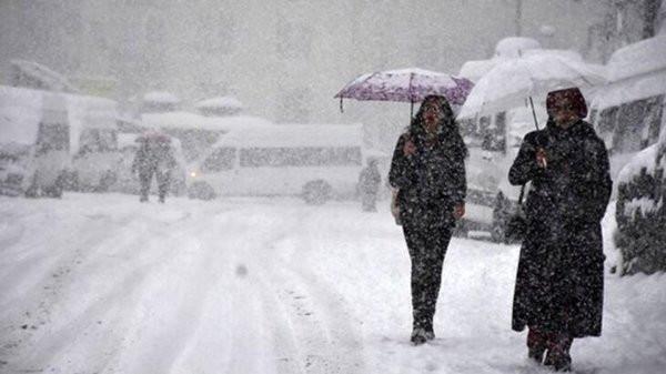 Kış geri geliyor! Meteoroloji kar yağışı için tarih verdi