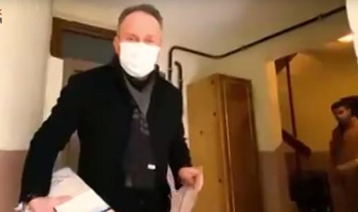 Kapı kapı karne dağıtan AK Partili isimden açıklama