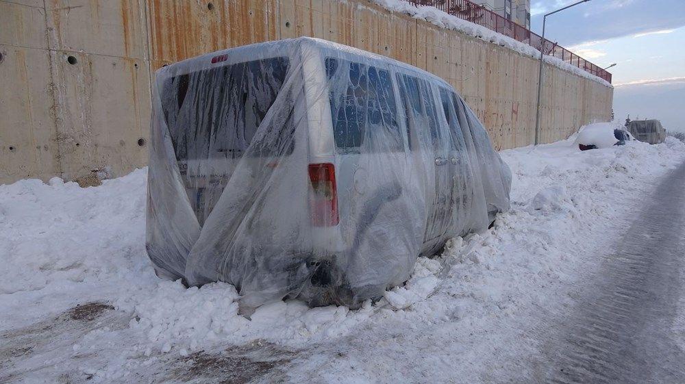 Kent buz kesti! Araçları naylon ve battaniyeyle kapattılar - Resim: 3
