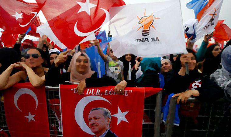 Olay iddia: Belediyeden işe alıp AK Parti'nin anketlerinde çalıştırdılar