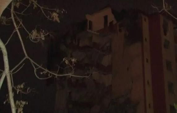 İstanbul'da korku dolu gece! Geceyi sokakta geçirdiler