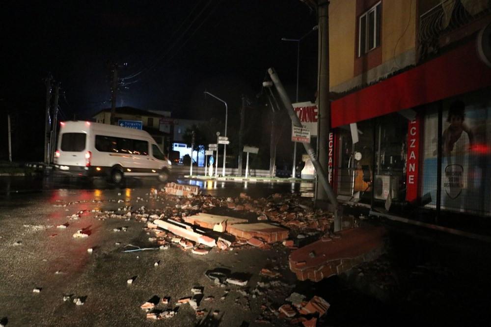 Manisa'da fırtına: Çatılar uçtu, ağaçlar ve direkler devrildi - Resim: 3
