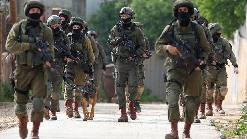 İsrail, Batı Şeria'da 17 yaşındaki bir genci vurdu!
