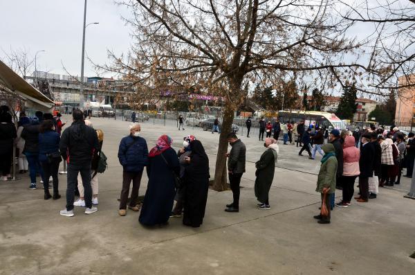 İstanbul'da HES kodu kuyruğu sürüyor