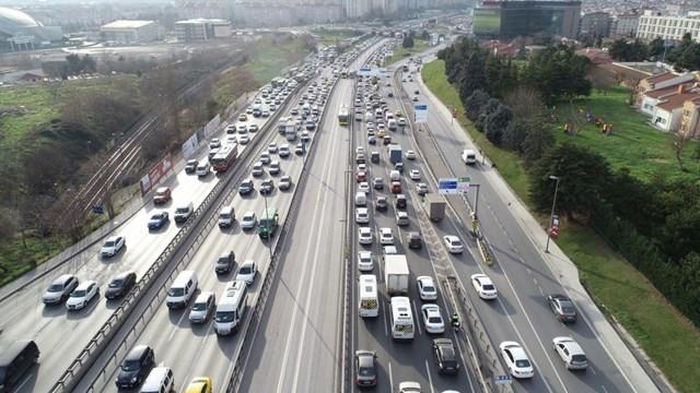 İstanbul'da trafik yoğunluğu yüzde 70'i geçti