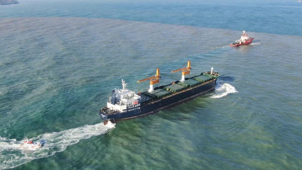 İstanbul'da karaya oturan yük gemisi kurtarıldı - Resim: 3