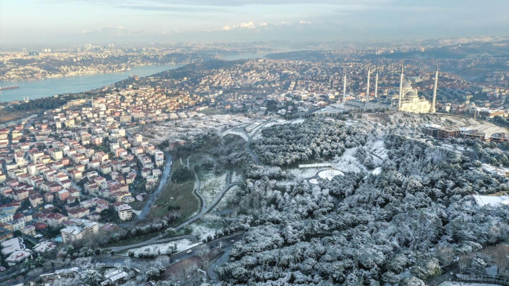 İstanbul'un ''çatısı'' Çamlıca bembeyaz! - Resim: 2