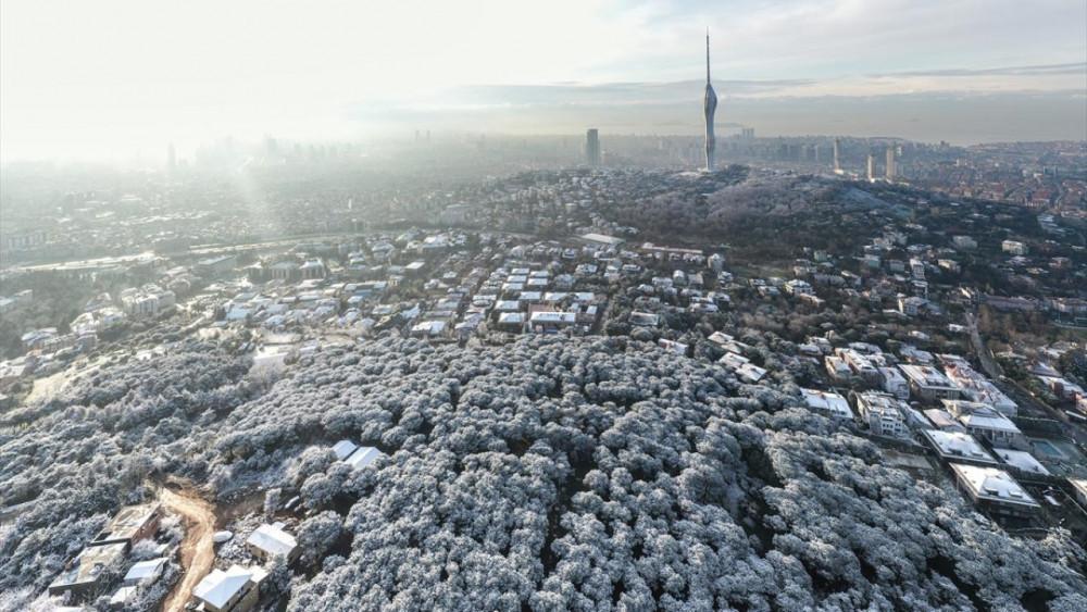 İstanbul'un ''çatısı'' Çamlıca bembeyaz! - Resim: 3