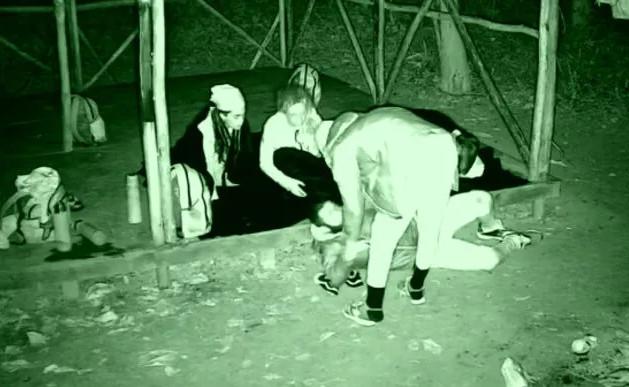 Survivor adasında korkutan anlar! Açlığa dayanamadı