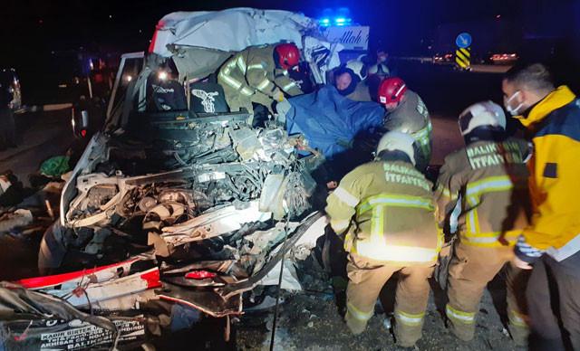 Bandırma'da korkunç kaza: Ölü ve yaralılar var!