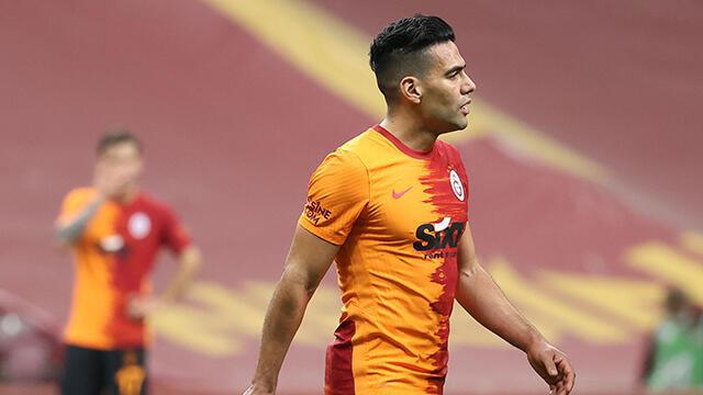 Radamel Falcao 4-6 hafta sahalardan uzak kalacak