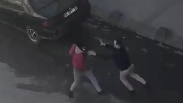 Arnavutköy'de bir garip olay! Önce kavga ettiler, sonra...