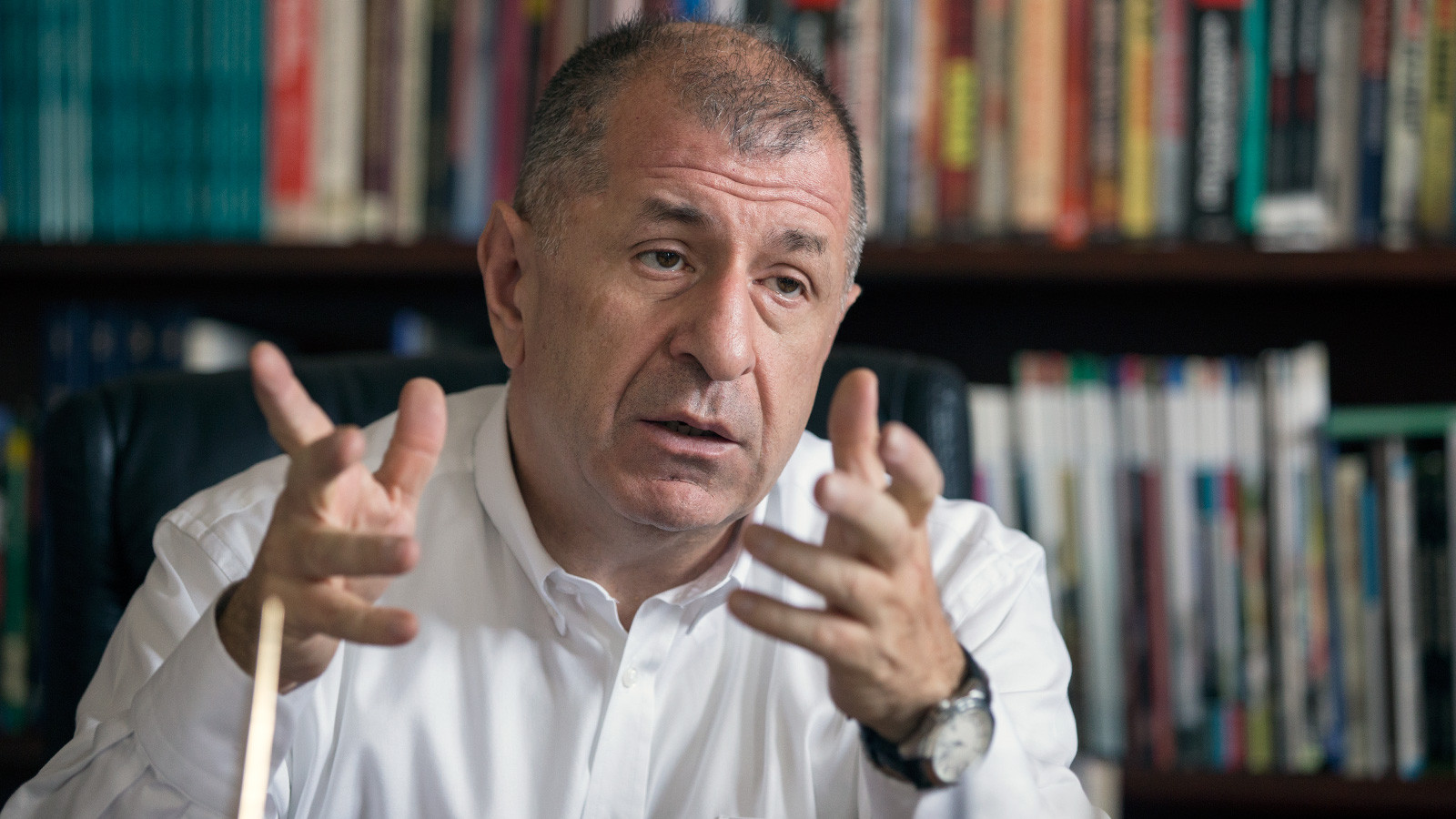 Ümit Özdağ: ''Vatandaşın vergileriyle Suriyeliler ev sahibi oldu''