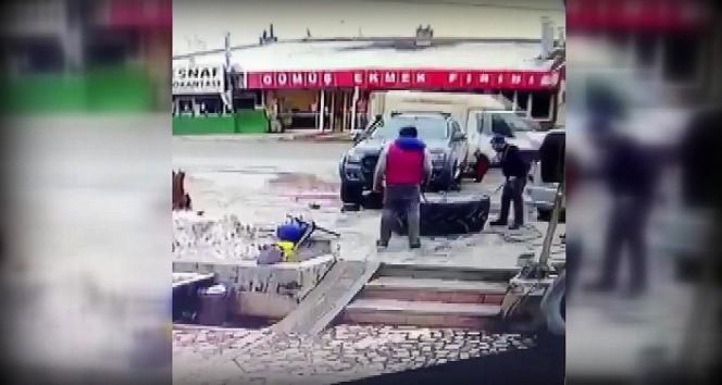 Traktör lastiğinin patlama anı kamerada