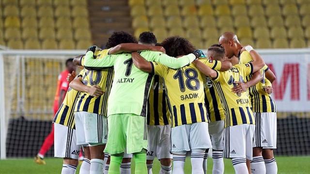 Fenerbahçe Kasımpaşa deplasmanında! İşte Erol Bulut'un 11'i...