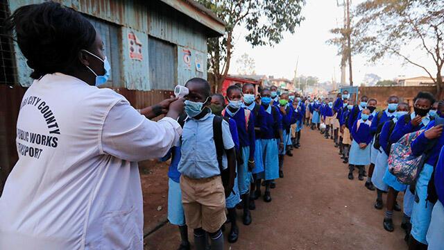 Koronavirüs tedbirleri esnetildi, okullar 9 ay sonra yeniden açıldı