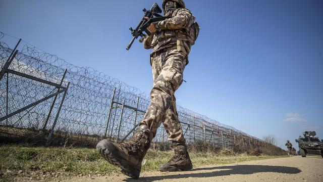 Bin 708 FETÖ zanlısı sınırda yakalandı!