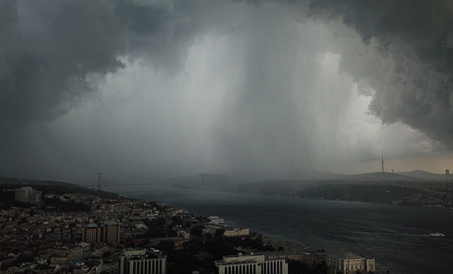 İstanbul için yağmur bombası mı atılacak? Uzmanlar ikiye bölündü