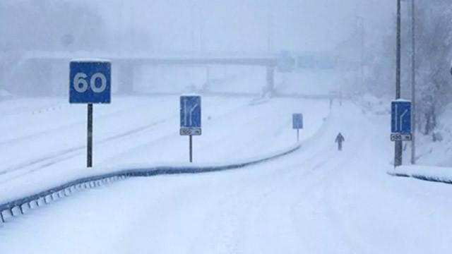 İspanya'da kar fırtınası hayatı durdurdu! 2 kişi donarak öldü
