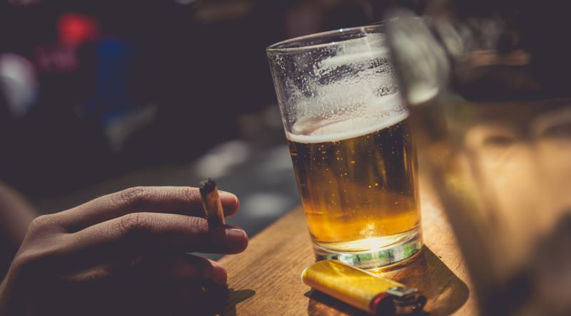 Sigara, nargile ve alkole yeni yasaklar geliyor!