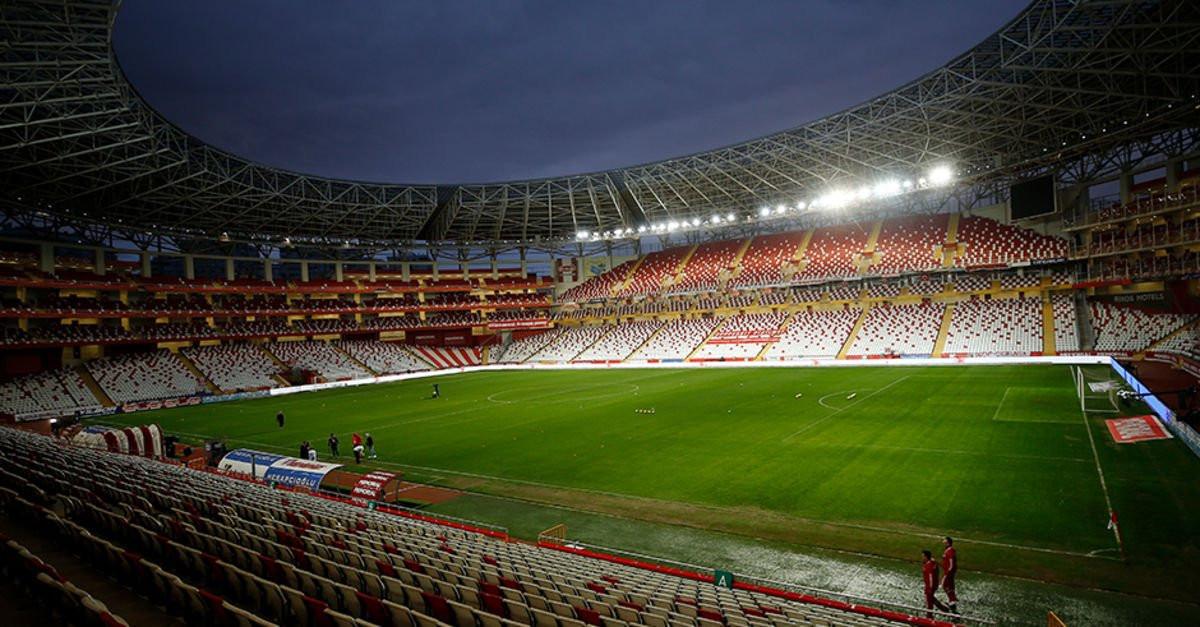 Bilim Kurulu Üyesi Kayıpmaz'dan 'seyircili maç' açıklaması
