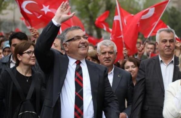 CHP'den istifa eden belediye başkanı partiye geri dönüyor