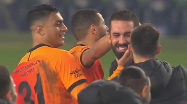 Arda Turan'a 2 maç ceza