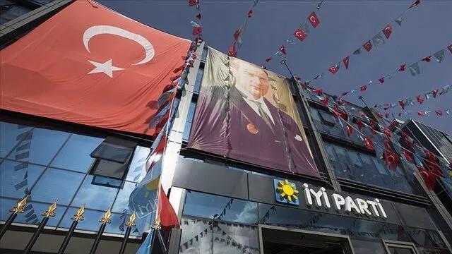 İYİ Parti'den referandum teklifi