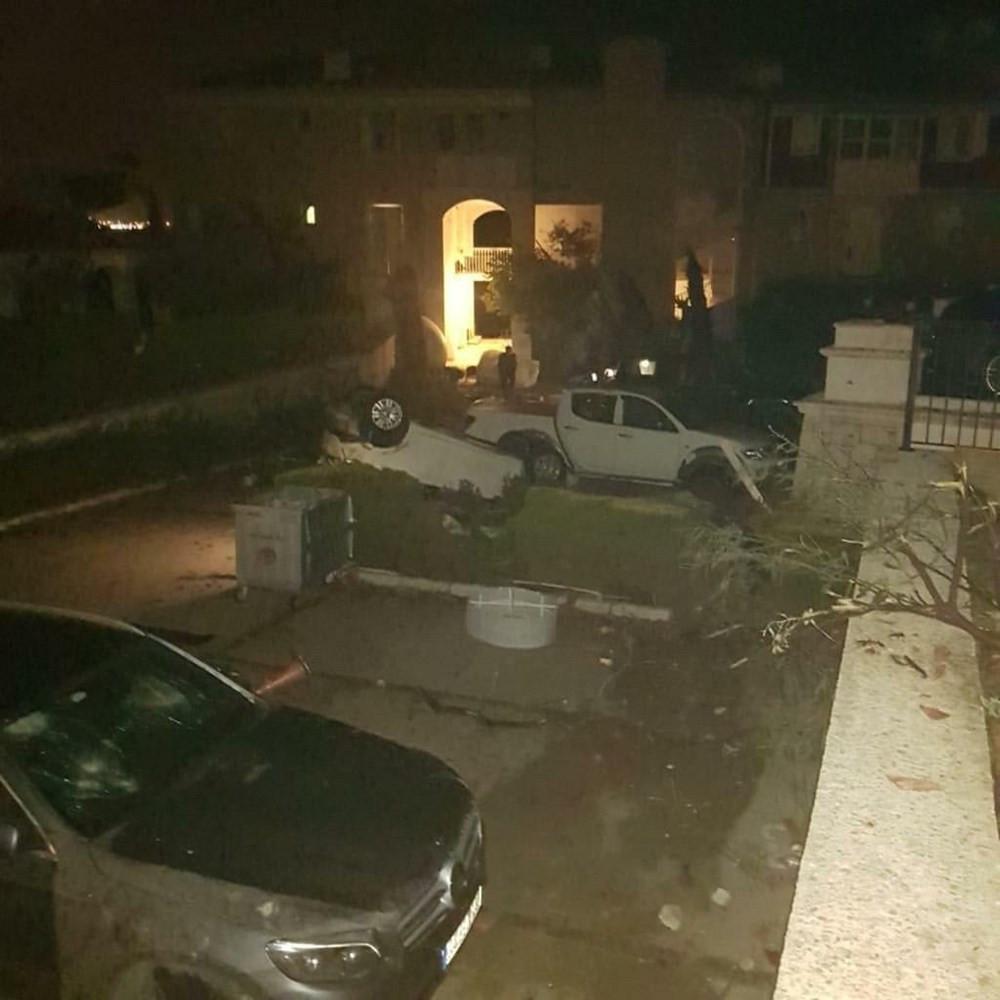 İzmir'i hortum vurdu! Yaralılar var... - Resim: 3