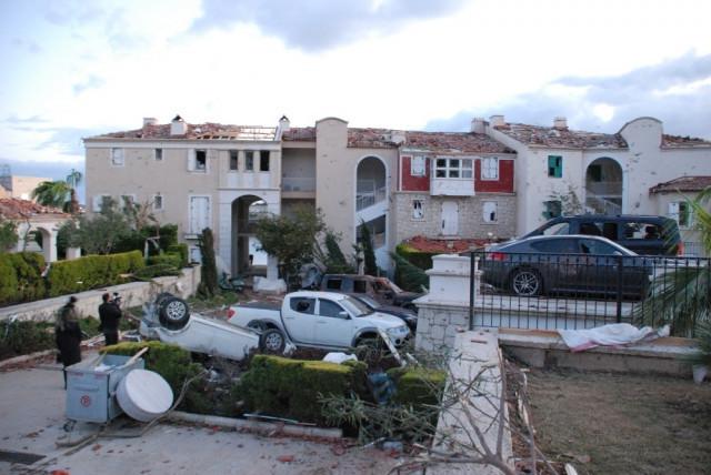 İzmir'de hortum felaketinin boyutu gün ağarınca ortaya çıktı - Resim: 4