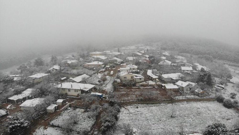 İstanbul'da kar yağışı başladı! İşte ilk görüntüler