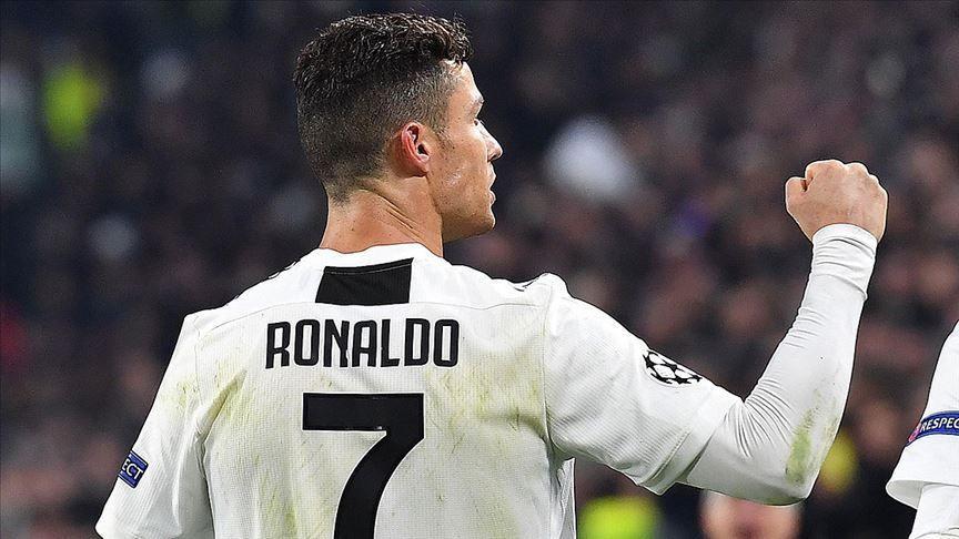 Dünya yıldızı Cristiano Ronaldo, tarihe geçti!