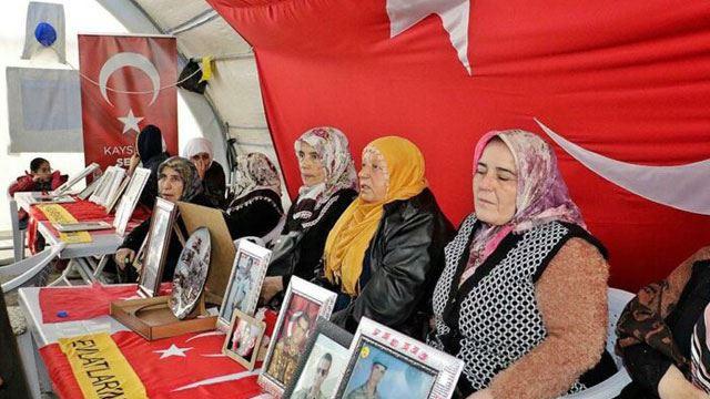 PKK'nın kaçırdığı askerlerin aileleri Meclis'e kadar gelmiş!
