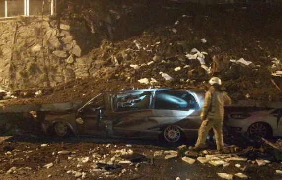 İstanbul'da istinat duvarı çöktü!