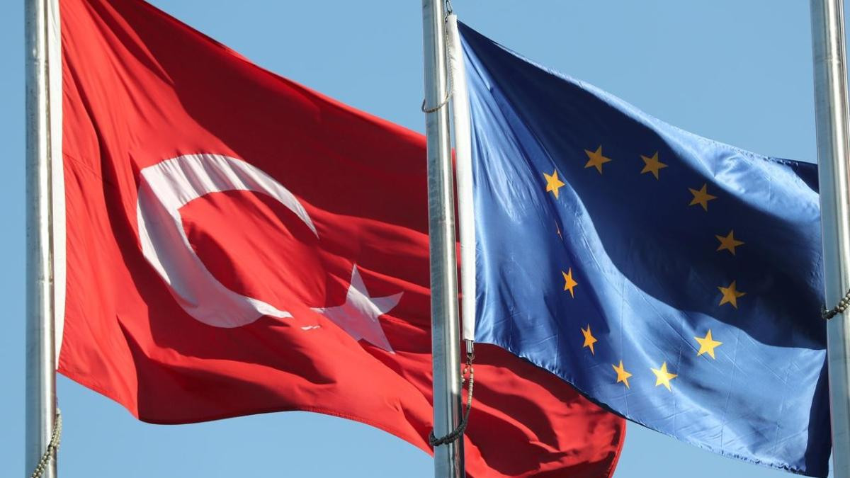 AB'den Türkiye'ye üyelik yolunda umutlandıran açıklama