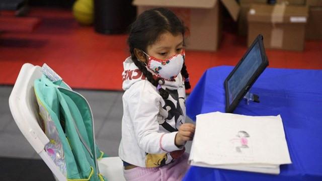 Gençler ve çocuklar koronavirüsü yetişkinlere göre daha az yayıyor