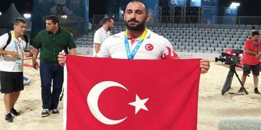Milli güreşçi Ufuk Yılmaz dünya şampiyonu!