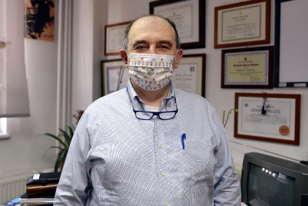 Bilim Kurulu Üyesi Kara'dan ''çift maske'' açıklaması